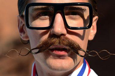 douchebag-moustache-384x253